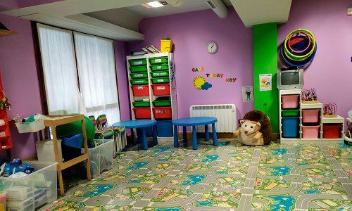 Personal altamente cualificado en el cuidado de niños y bebés